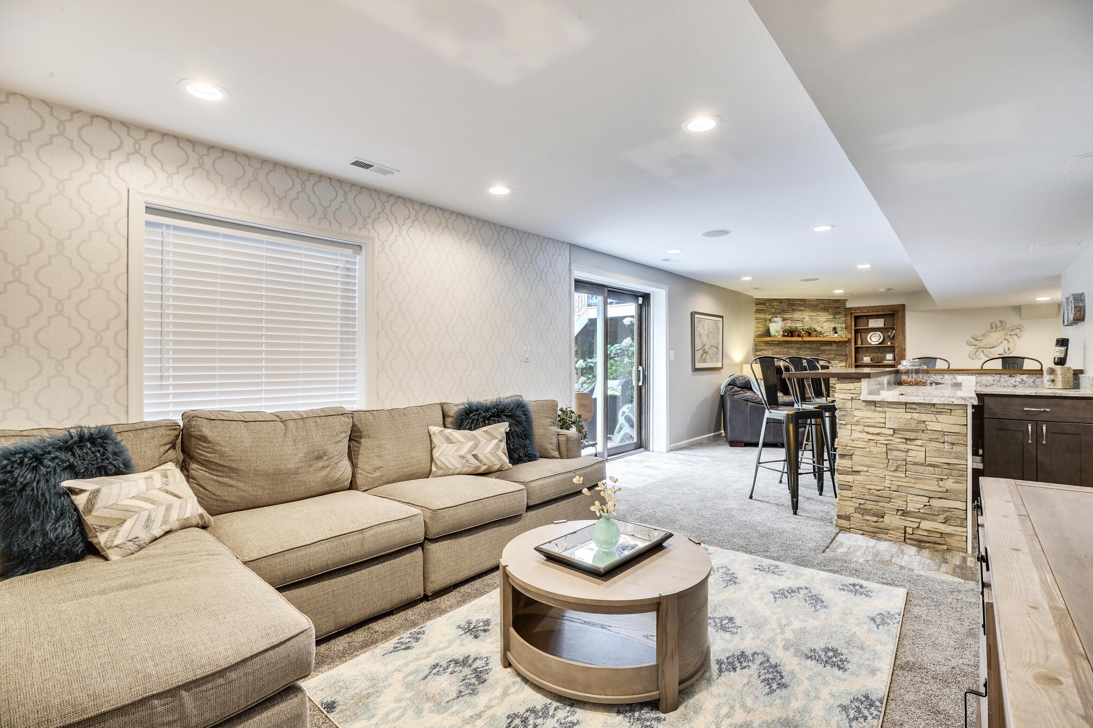 Interior-Sitting Area-12I6867