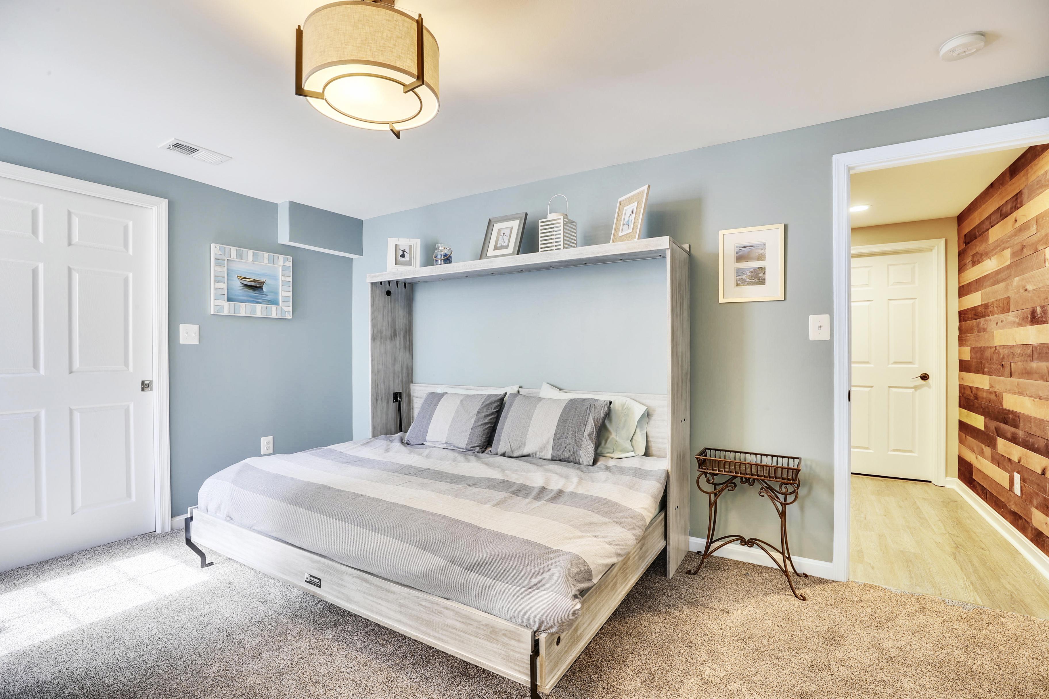 Lower Level-Bedroom-12I1329