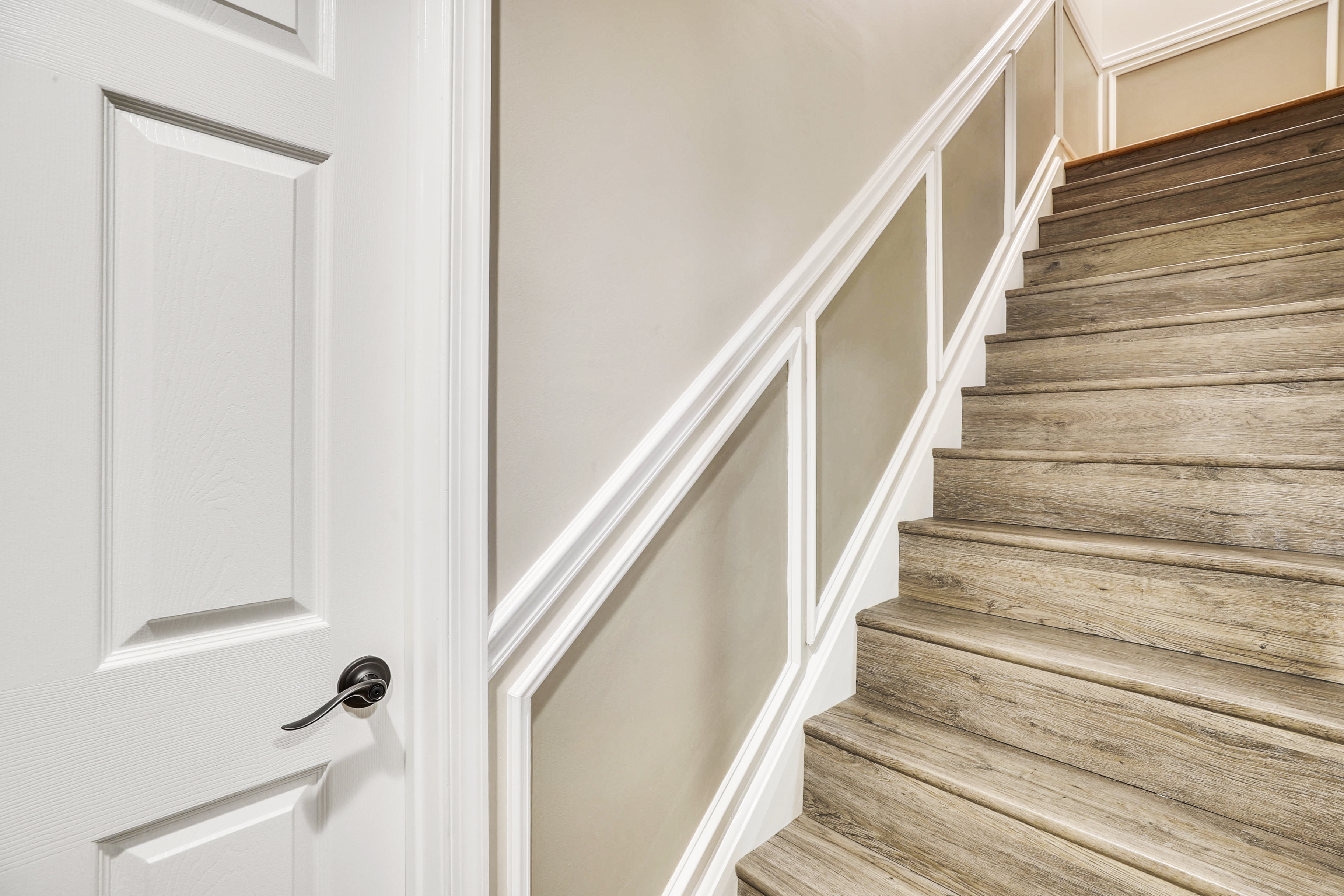 Lower Level-Stairs-12I1269