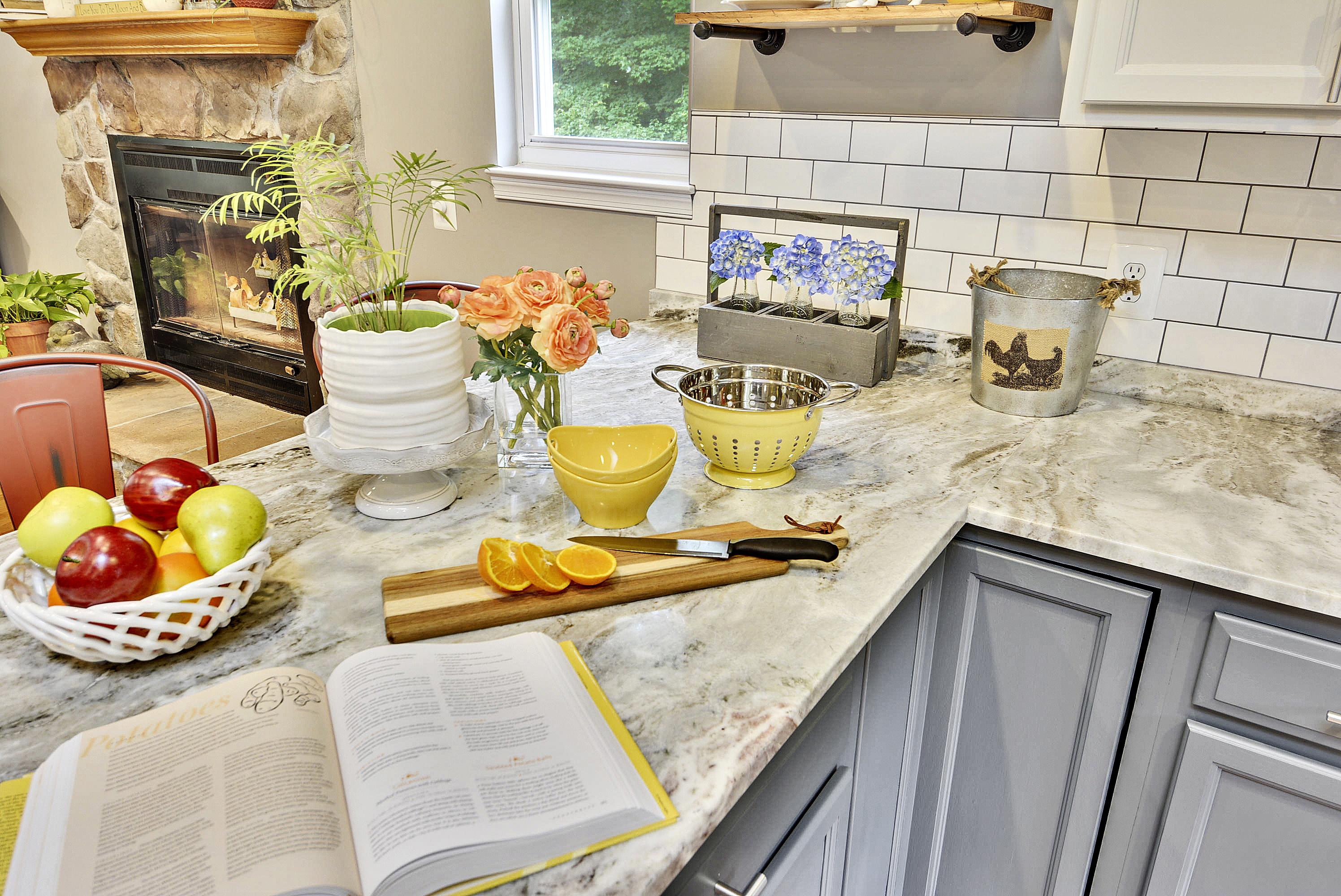 Main Level-Kitchen-DSC3230