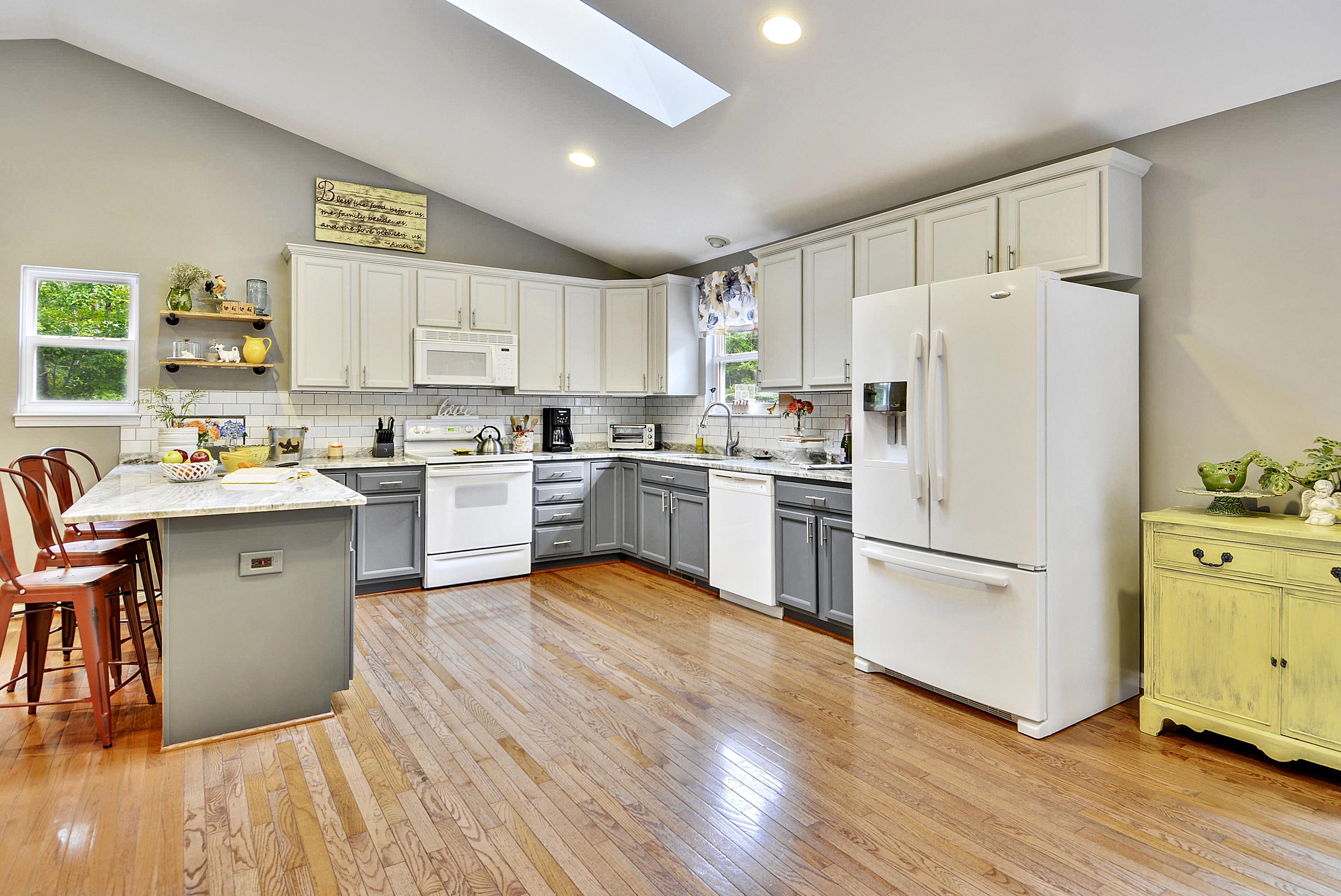 Main Level-Kitchen-DSC3240