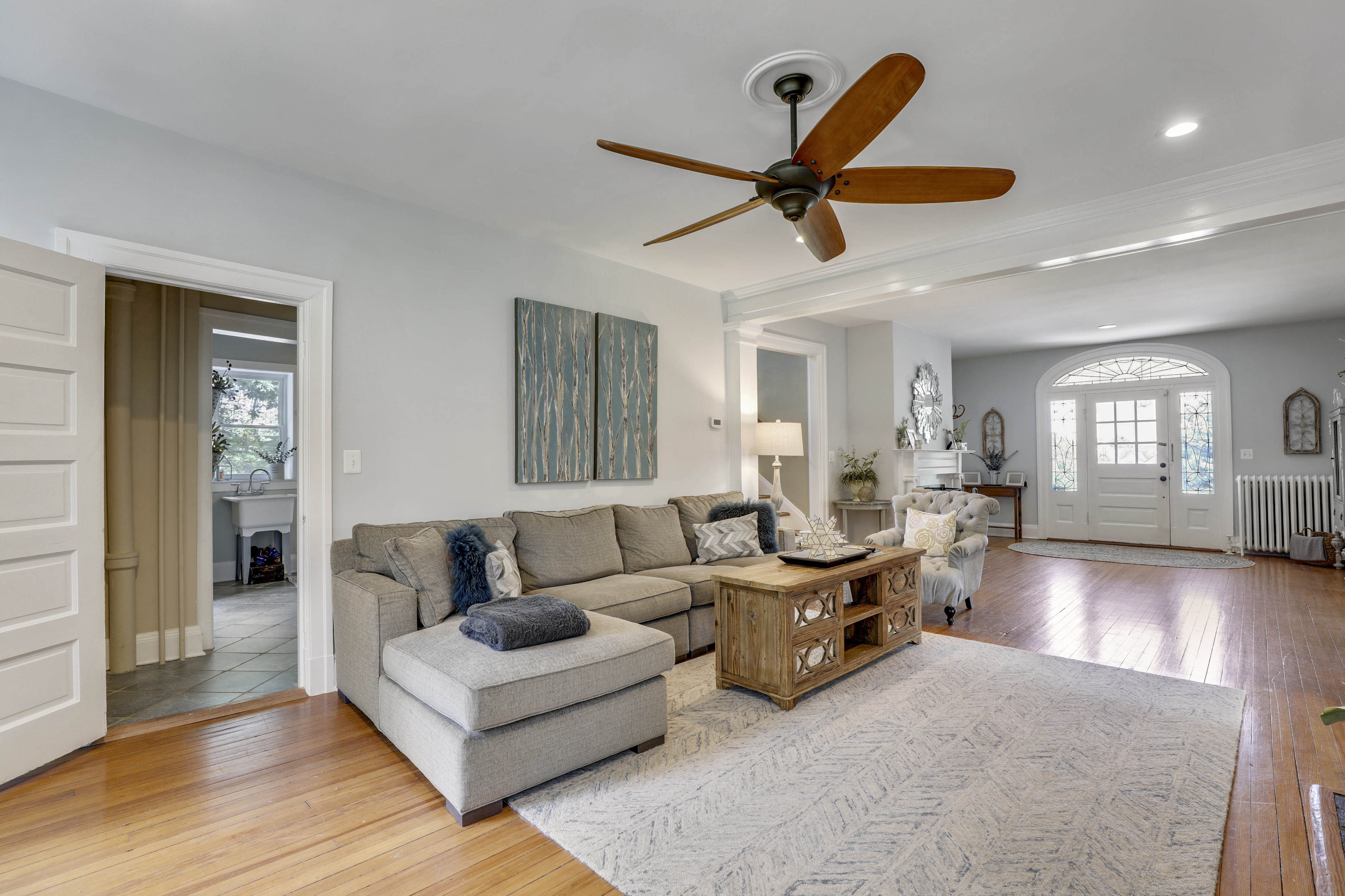 Main Level-Living Area-S3A0046