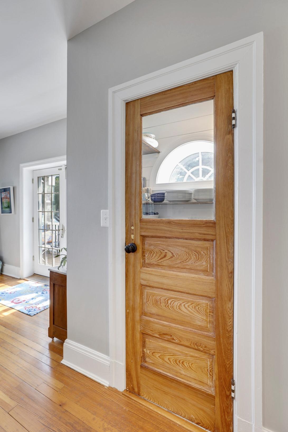 Main Level-Pantry Door-S3A0081