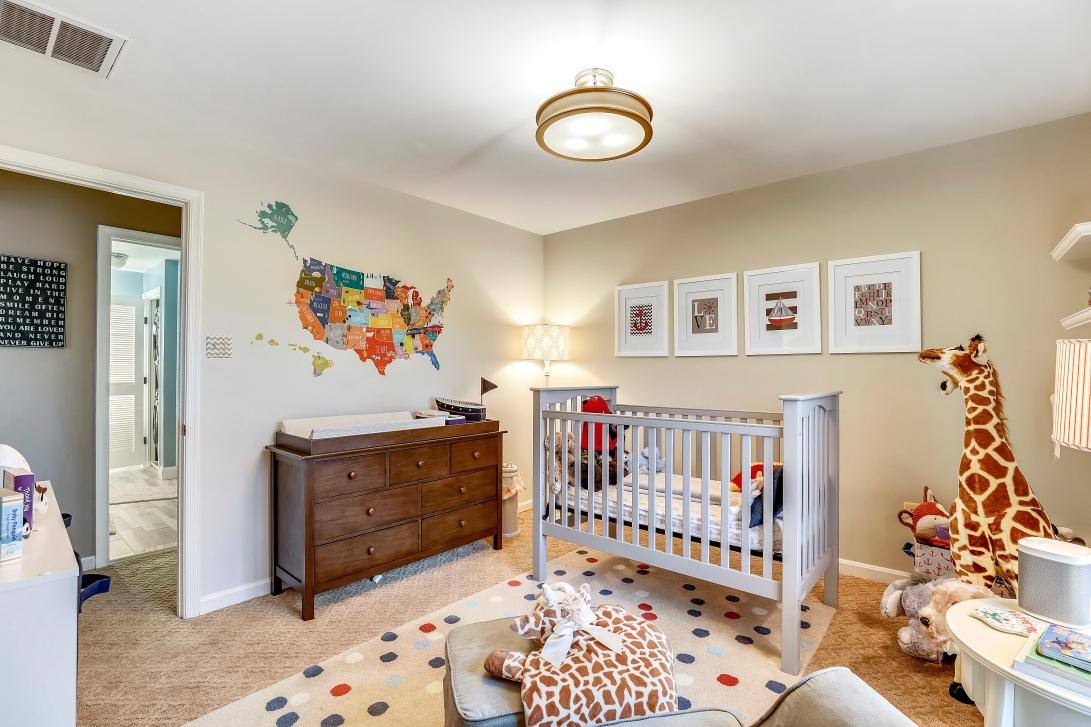 upper level-bedroom-s3a0071